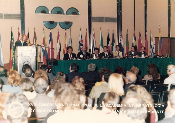 IX World Congress of Academic and Enviromental Pathology 1990, en Buenos Aires